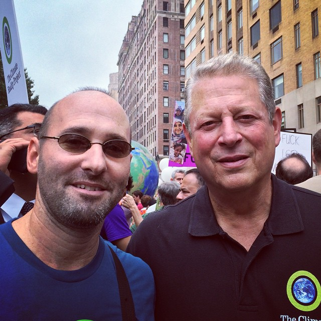 Over_300_000_people_and_look_who_I_run_into._It_was_an_honor__sir.__CraigTilley_and__AlGore